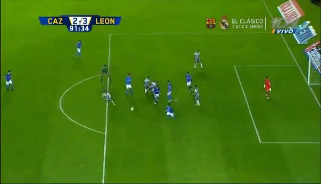 Watch and share Gol De Guillermo Burdisso | Cruz Azul 2-3 León | Jornada 17 - Apertura 2016 | Televisa Deportes GIFs on Gfycat