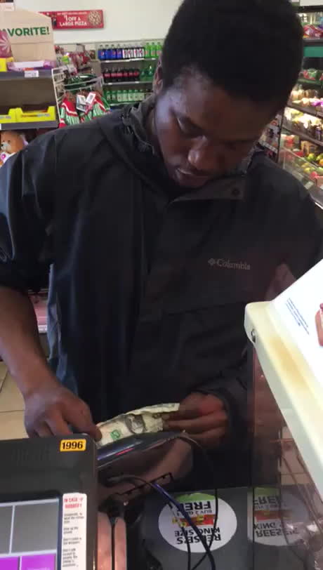 actuallyfunny, classic4chan, Guy doesn't know how to pay at store GIFs