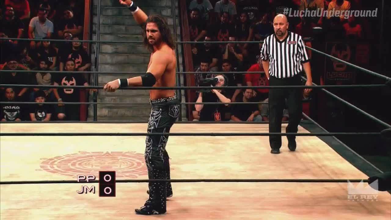 LuchaUnderground, SquaredCircle, luchaunderground, Lucha Underground - Prince Puma outdoes Johnny Mundo over the top rope! GIFs