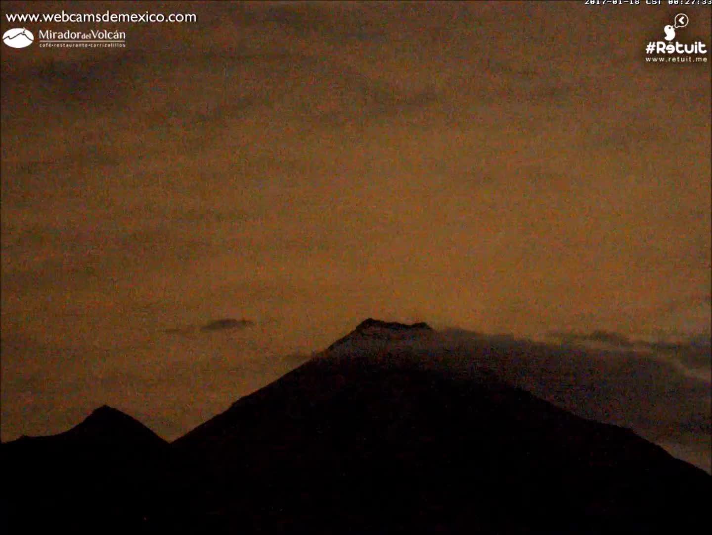 méxico, Impresionante Volcán de Colima 18 de enero 2017 a las 00:27 am GIFs