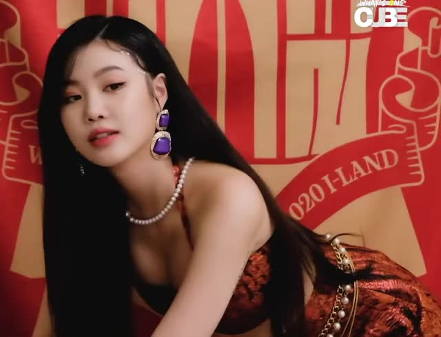 Watch and share Soojin GIFs and Gidle GIFs by KPOP GIFS on Gfycat