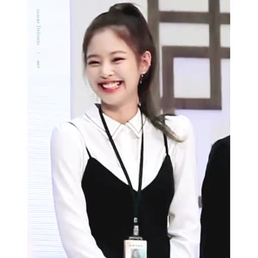 Watch and share Blackpink GIFs and Jennie GIFs by 이상형월드컵-supercup on Gfycat
