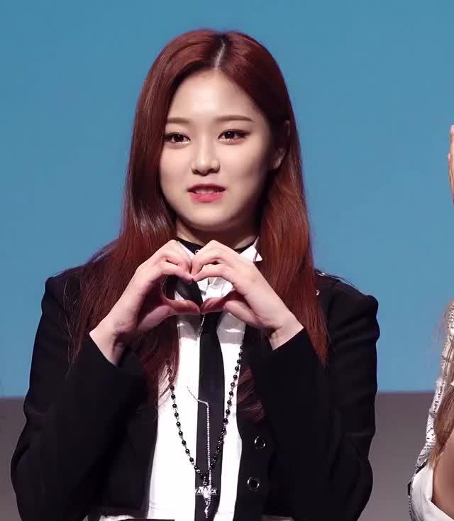 Watch and share Hyunjin GIFs and Loona GIFs by Deeddi on Gfycat