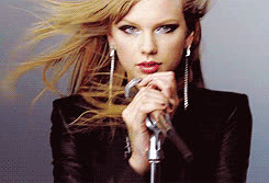 taylor swift, She also introduced us to straight hair Swift. GIFs