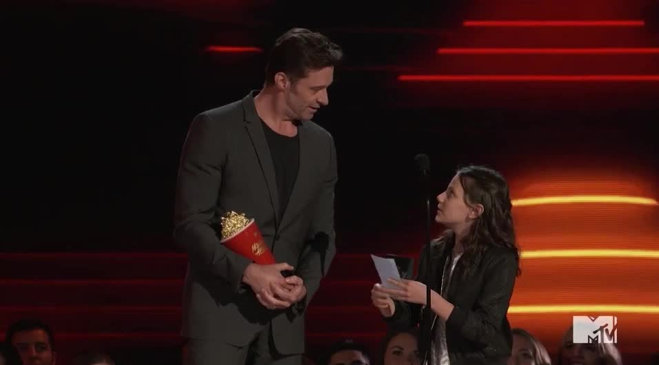 Dafne Keen, Hugh Jackman, MTV Awards, MTVAwards, MTVAwards2017, look, script, what is this, Here Here, Look! Hugh Jackman and Dafne Keen GIFs