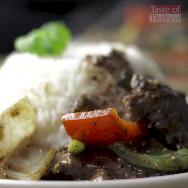Watch and share Black Pepper Beef GIFs and Stir Fried Beef GIFs by Manaow on Gfycat