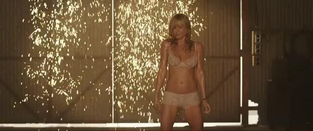 Jennifer aniston striptease gif — pic 3