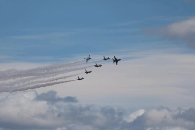 Watch and share USAF Thunderbirds JBLM Airshow 2016 GIFs on Gfycat