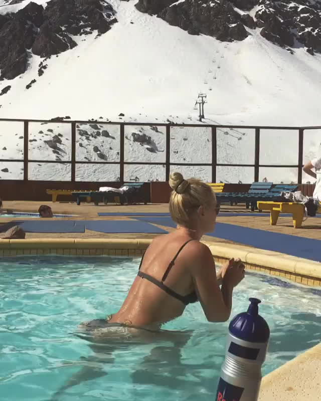 Lindsey Vonn juicy round ass