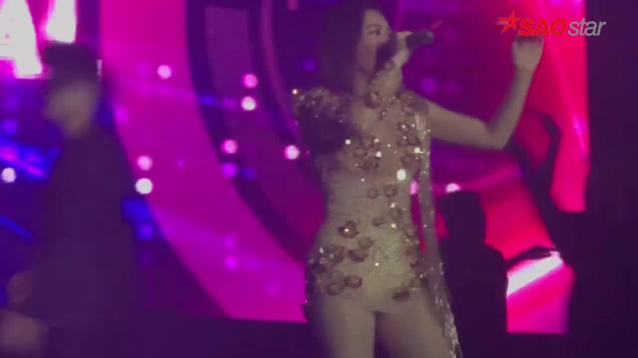 Vừa khai trương hit mới trên sân khấu lớn, Thu Minh gặp ngay sự cố âm thanh tắt phụt