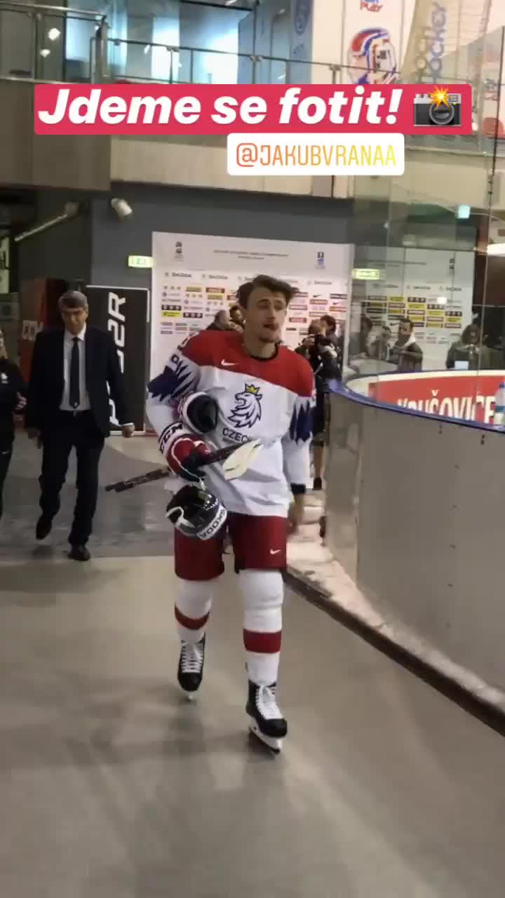 Jakub Vrana GIFs