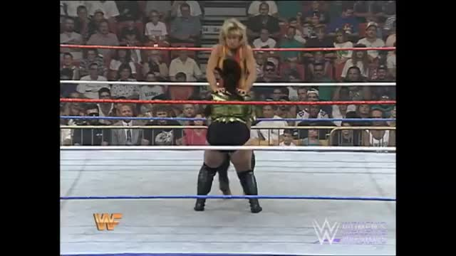 Watch Alundra Blayze attempted pin Bull Nakano GIF by m (@maner12) on Gfycat. Discover more boxing GIFs on Gfycat