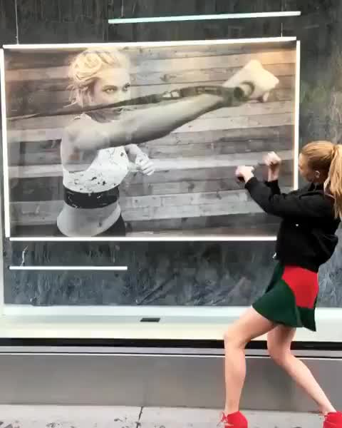 Watch and share Karlie Kloss GIFs and Punch GIFs by A Pretty Girl is Like a Melody on Gfycat