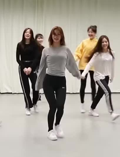 Watch and share Mechabear GIFs and Fromis GIFs by Mecha熊 ✔️  on Gfycat