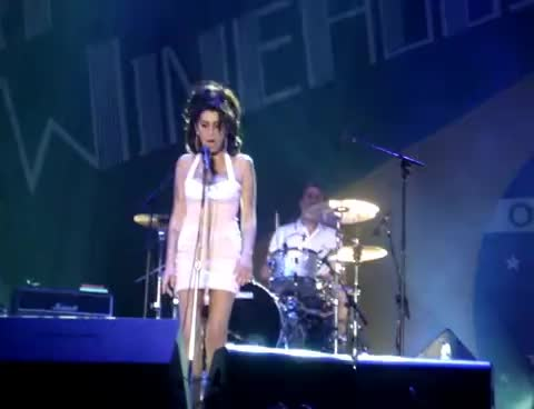amy, brazil, winehouse, Amy Winehouse Brazil GIFs