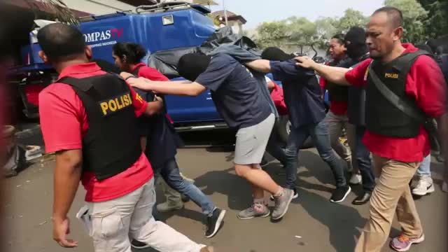 Gay Sex Party Raid Latest LGBT Crackdown In Jakarta GIFs