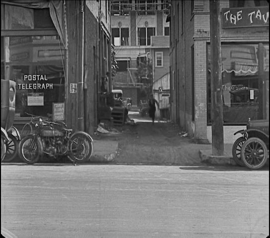 Moviesinthemaking, keaton, silentmoviegifs, Buster Keaton in Cops (1922) GIFs