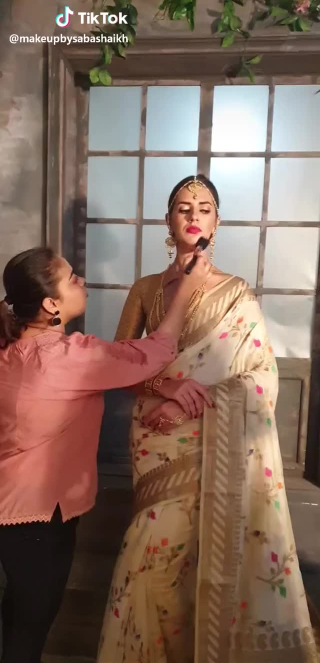 Watch katrina #GoPop #style #girls #hair #lips #blush #morning #movie #miss #favour #colours #bride #love GIF by @bravebroccoli on Gfycat. Discover more GoPop, girls, hair, style GIFs on Gfycat