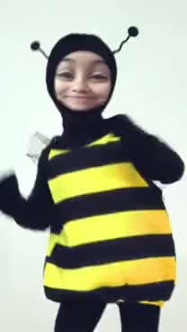 Watch and share DANCING BUMBLE BEE GIFs on Gfycat