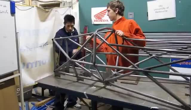 MUR FSAE 2011: Mallets vs chassis & chassis jig GIFs