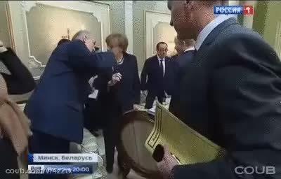 reversegif, Lukashenko won't let Putin sit down (reddit) GIFs