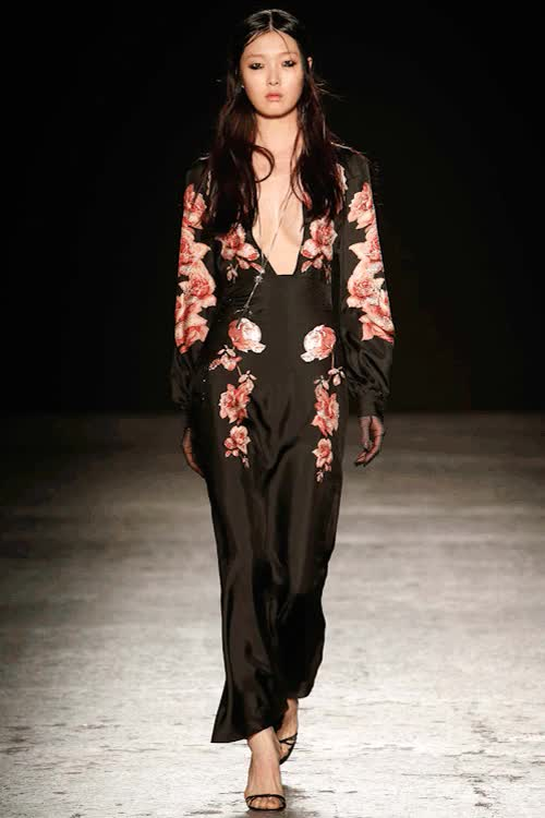 Watch ghostshrimp GIF on Gfycat. Discover more China: Through the Looking Glass, Fall 2015, Fall 2015 RTW, FashGIF, Fashion, Fashion GIF, Francesco Scognamiglio, GIF, MFW, MFW Fall 2015, Met Ball, Met Ball 2015, Met Gala, Met Gala 2015, Milan, Milan Fashion Week GIFs on Gfycat