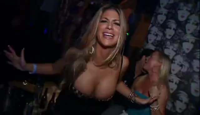 Gif Aguilera Bad Dancing Christina