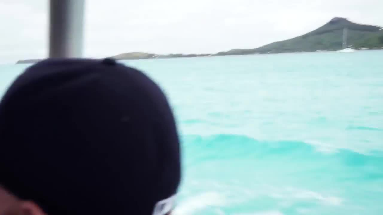 +18, 2016, behind, from, gigi, gigi hadid, hadid, scenes, sports, tahiti, Gigi Hadid Behind The Scenes From Tahiti 2016 | Everyday a New Beauty - Sexy GIFs