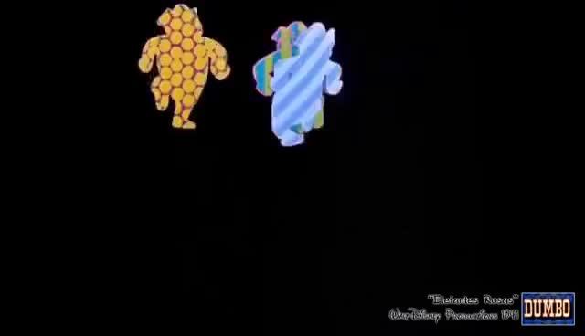 Watch Dumbo - Elefantes Rosas en la Parada [Las ánimas del terror][Audio Latino] GIF on Gfycat. Discover more related GIFs on Gfycat