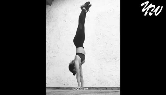 CALISTHENICS Crazy Strength & Flexibility - Leslie Munoz 2017 GIFs