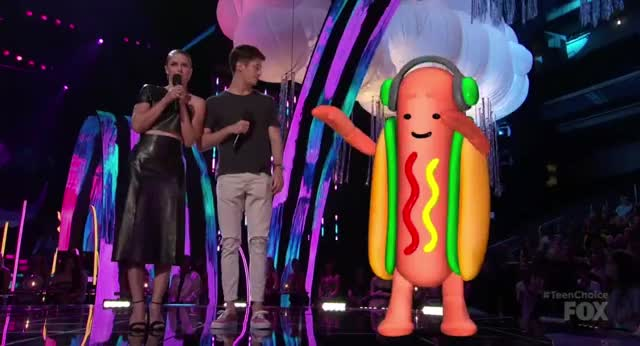 Watch this hot dog GIF by GIF Reactions (@visualecho) on Gfycat. Discover more Teen Choice Awards, Teen Choice Awards 2017, TeenChoice2017, TeenChoiceAwards2017, food, hot dog, teen choice awards, teen choice awards 2017, teenchoice2017, teenchoiceawards2017 GIFs on Gfycat