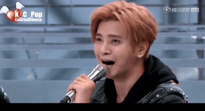 Những khoảnh khắc khiến La Chí Tường trở thành thỏi nam châm hút fan chẳng kém gì thí sinh Produce 101