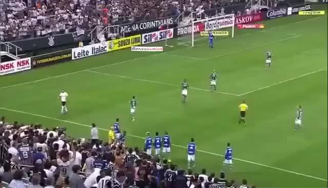 Watch and share Kazim Da Lindo Chapéu Em Felipe Melo Corinthians 1X0 Palmeiras GIFs on Gfycat