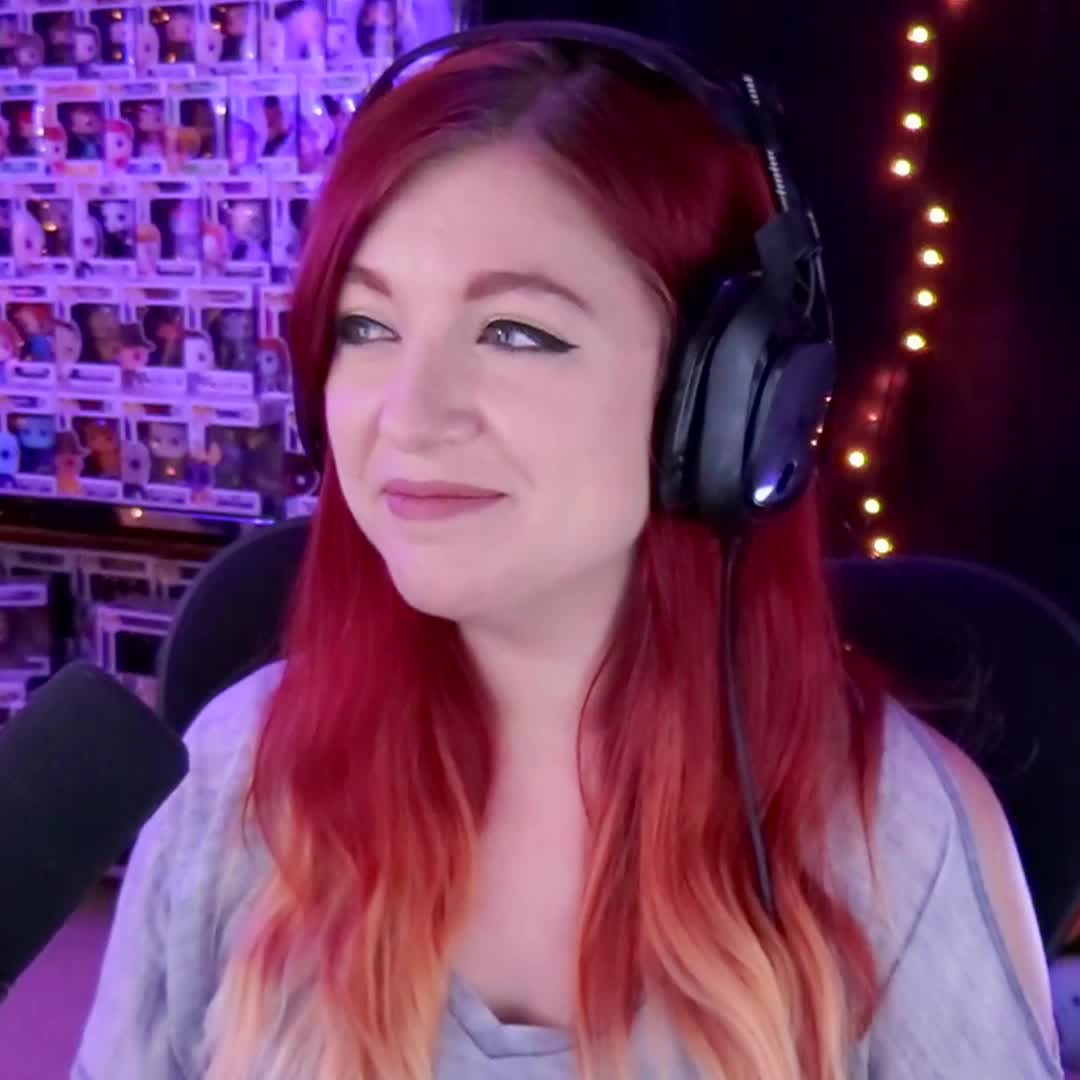awkward, cahla, cahlaflour, confused, cringe, disturbed, huh, instagram, loop, no, red hair, twitch, twitter, what, youtube, Cahlaflour Disturbed 01 GIFs