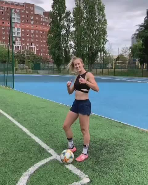 Watch Who said: freestylers don't play football? 🤔 #CharbonNueveChallenge Everybody tag @karimbenzema! 😃 GIF by @sezar4321 on Gfycat. Discover more charbonnuevechallenge, melody donchet GIFs on Gfycat