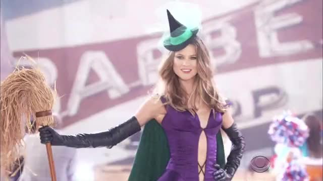 Watch and share Behati Prinsloo GIFs by expletiveadded on Gfycat