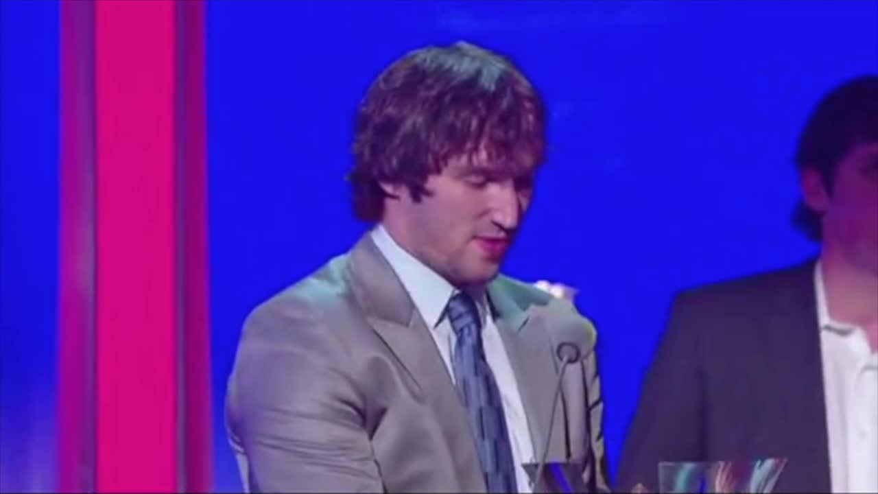 Ovechkin trolls Malkin and Datsyuk at 2009 NHL Awards GIFs