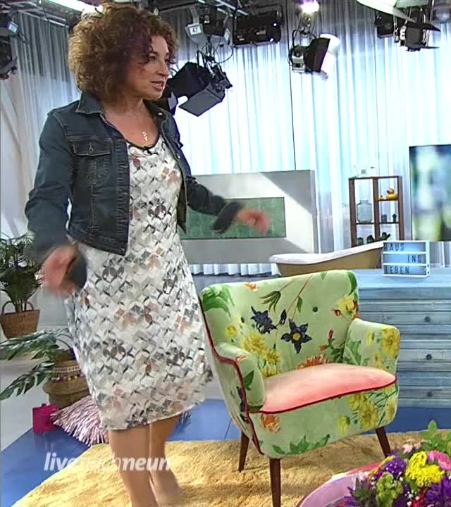 Watch Isabel-Varell-ARD-livenachneun 20180530-004 GIF on Gfycat. Discover more related GIFs on Gfycat