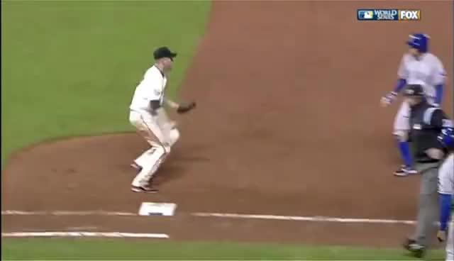 giants, rangers, san francisco giants, texas rangers, 2010/10/27 Huff's amazing play GIFs