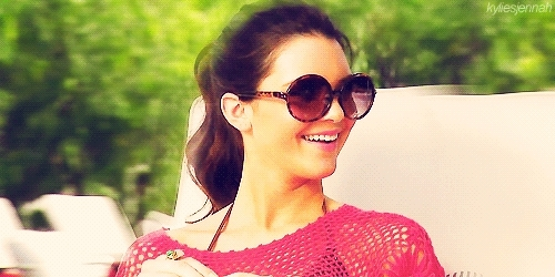 celebs, kardashian, keeping up with the kardashians, kendall, kendall jenner, model, sexy, kendall jenner sunglasses smiling GIFs