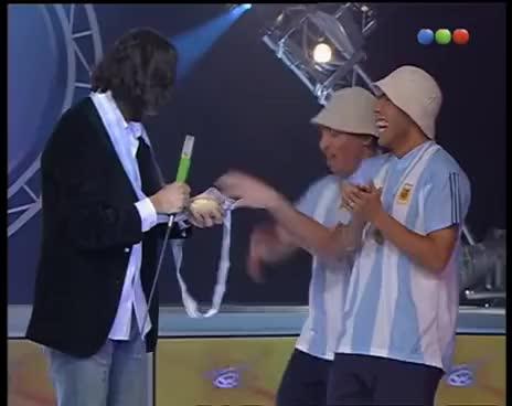Watch and share ¡Desopilante! Carlos Tévez Y Su Imitador - Videomatch GIFs on Gfycat