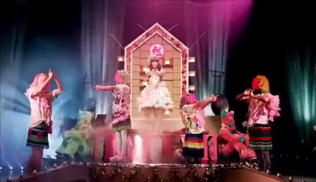 Watch and share Kyary Pamyu Pamyu GIFs on Gfycat