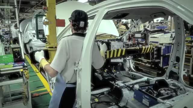 Watch and share Toyota Fábrica - ETAPA 4 MONTAGEM GIFs on Gfycat