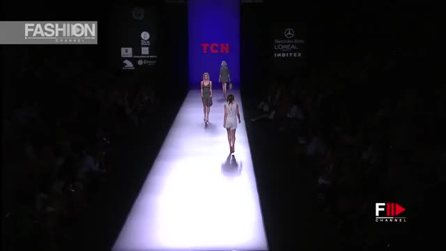 Watch and share Ss13 GIFs and Tag5 GIFs by fashion show on Gfycat