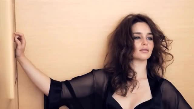 Watch and share Emilia Clarke GIFs by shapesus on Gfycat