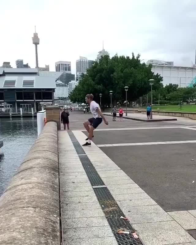 Watch this parkour GIF on Gfycat. Discover more parkour, sports GIFs on Gfycat