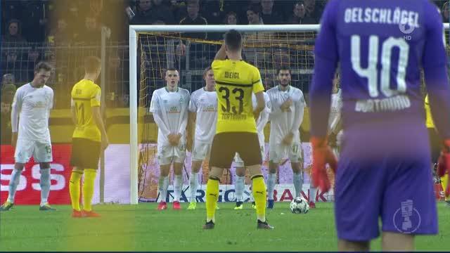 Watch and share Reussss 20190205 2011 - Das Erste HD - Sportschau GIFs on Gfycat