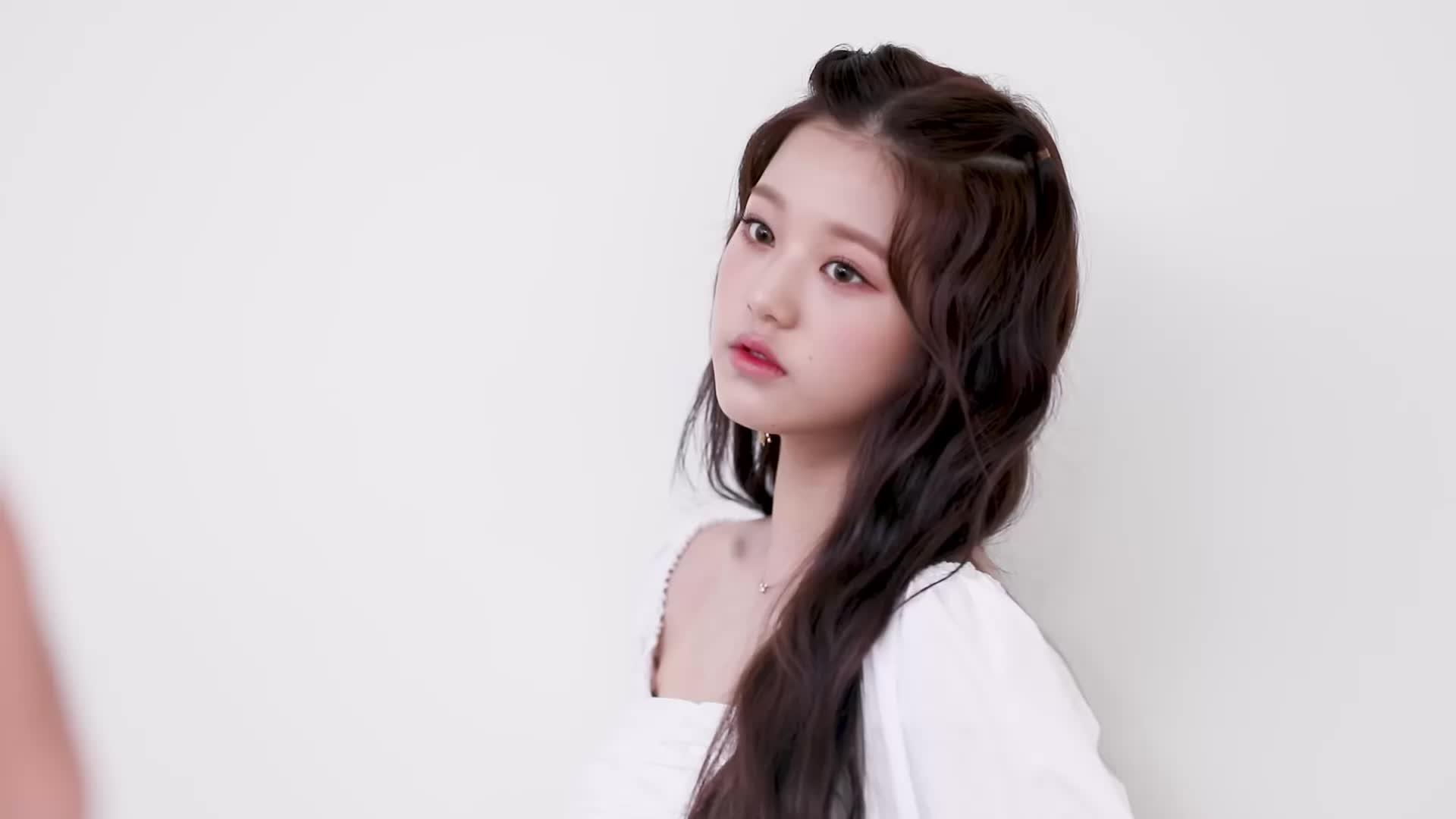 iz*one, jang wonyoung, kpop, la vie en rose, produce 48, starship, wonyoung, Wonyoung GIFs