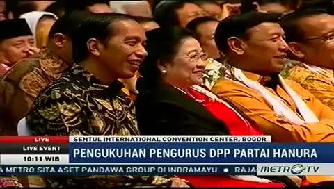 Watch and share Lucu!! Jokowi Ngakak Saat Ketum Dpp Hanura Keceplosan Eh Ada Pak Ahok GIFs on Gfycat