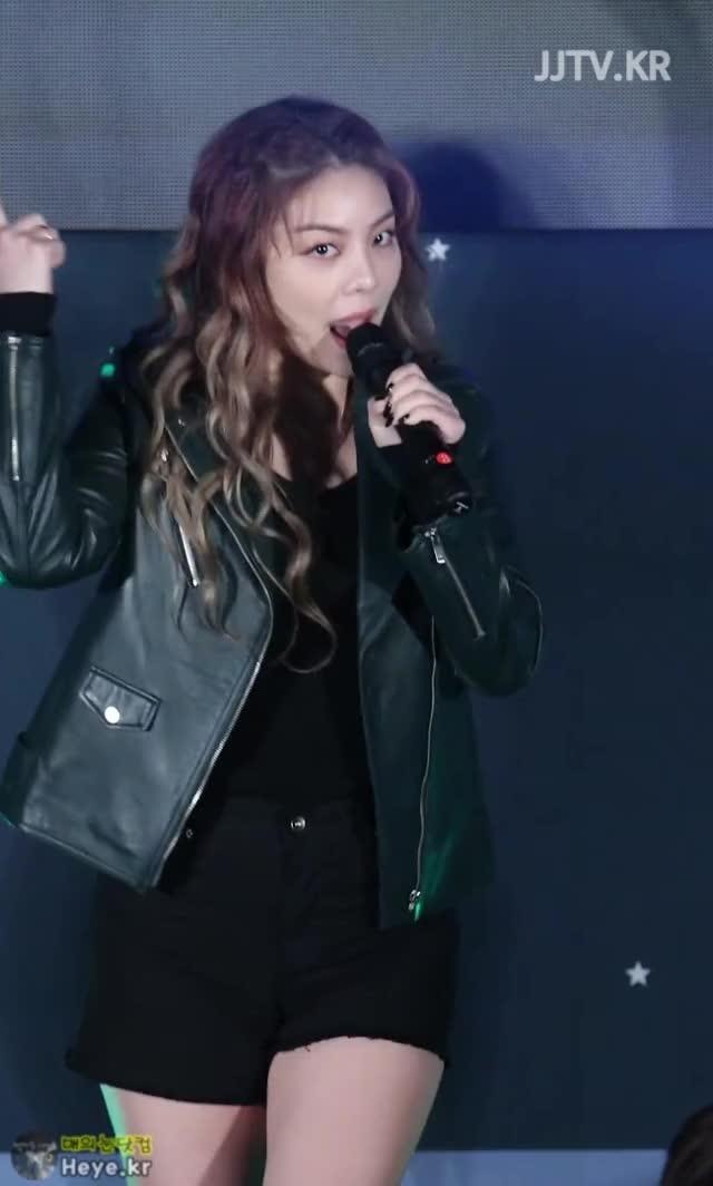 Watch and share Ailee GIFs and 매의눈닷컴 GIFs by 매의눈닷컴(▶heye.kr) on Gfycat